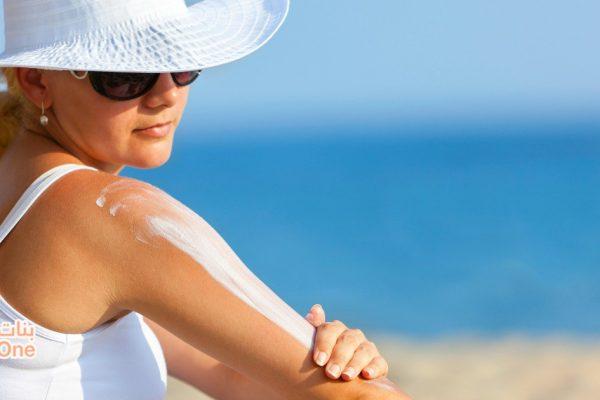 5 نصائح تساعدك على علاج اسمرار البشرة بعد العودة من المصيف