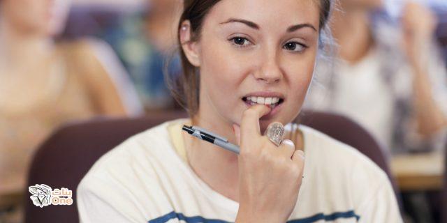 الحالة النفسية في قضم الاظافر وطرق علاجها