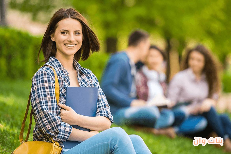 نصائح لاختيار ملابس الجامعة لإطلاله أنيقة وعصرية