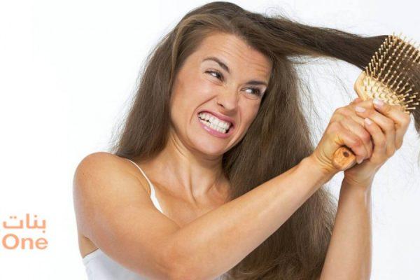 أفضل طريقة لفك عقد الشعر بسهولة في المنزل