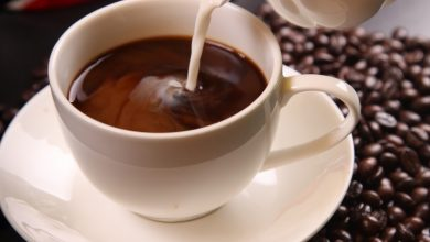 كيفية عمل القهوة باللبن