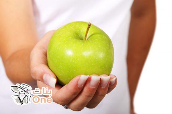 عدد السعرات الحرارية في التفاح الأخضر وفوائده