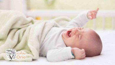 ما سبب إمساك الطفل الرضيع