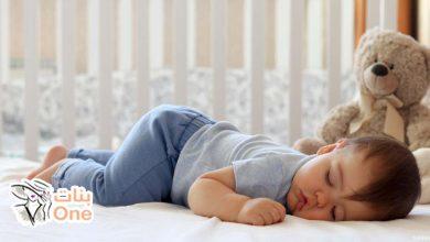 عدد الساعات التي ينامها الطفل