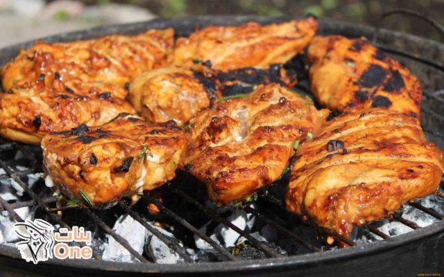 طريقة شواء الدجاج على الفحم