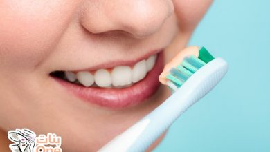 كيف يتم تنظيف الأسنان