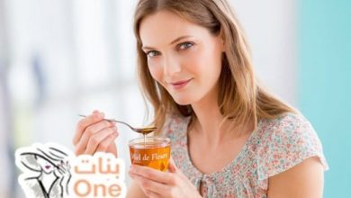 فوائد العسل للشفاه لترطيبها وتوحيد لونها