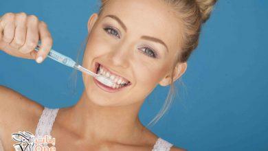 أعشاب لتبييض الأسنان بسرعة في المنزل