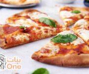 طريقة لجعل عجينة البيتزا مقرمشة