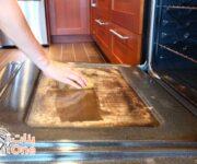 كيفية تنظيف زجاج الفرن من الدهون